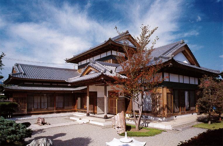 新たに隠居部屋を併設した日本家...
